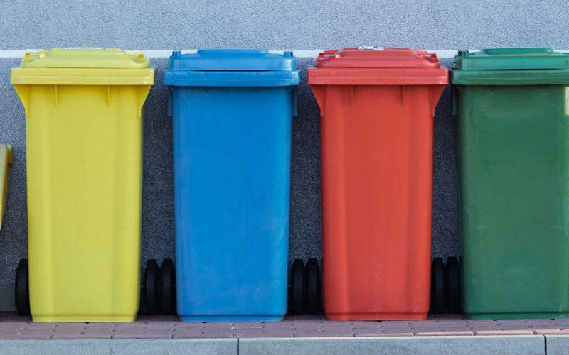 Riciclabolario: il servizio di Ecology SRL che ti aiuta a conferire i rifiuti in modo corretto.